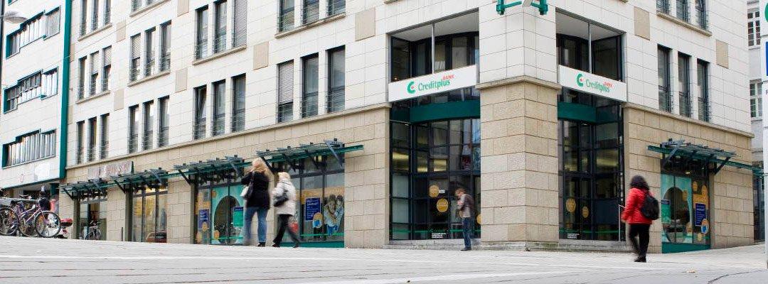 Die CreditPlus Bank mit Sitz in Stuttgart bietet (im Privatkundengeschäft) ausschließlich Kredite und Festgeldanlagen an und betrachtet den Verzicht auf andere Bankprodukte