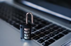 Kunden werden bei dem digitalen Kontoblick sowohl durch Gesetze als auch Verordnungen geschützt.