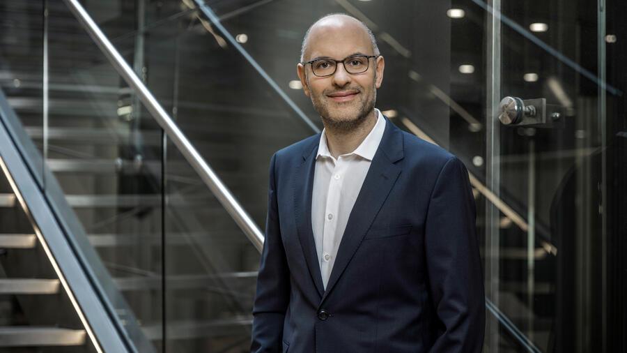 Raffael Johnen - Geschäftsführer der Auxmoney GmbH. Bildquelle: Auxmoney / Handelsblatt